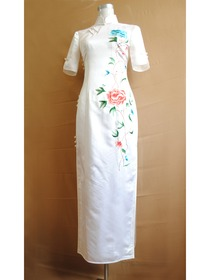 White Short Sleeve Silk Brocade Embroidered Choengsam Dress