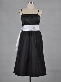Black A-Line Criss-Cross Ruched Cocktail Length Taffeta Bridesmaid Dress With Ribbon