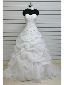 A-Line Sweetheart Appliques Pick Up Court Train Organza Wedding Dress (AE0008)