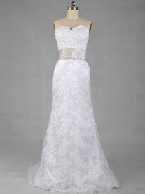 Elegant Fit and Flare Sweetheart Brush Train Lace Wedding Dress With Ribbon (8210)