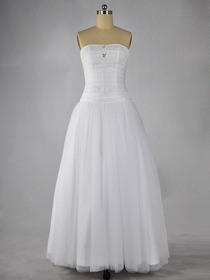 White Ball gown Fluted Strapless Floor-length Taffeta Quinceanera Evening Dress