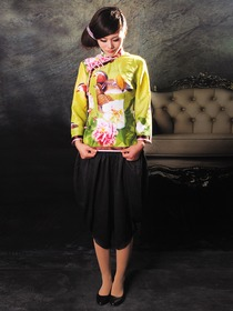 Greenish Yellow Inkjet Magpie Peony Flower Pattern Silk Coat with Black Silk Pantskirt Cheongsam