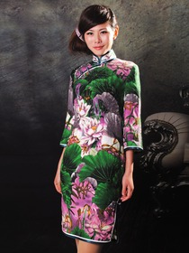 Mandarin Collar Lotus Pattern Silk Brocade Three Quarter Sleeve Cocktail Length Cheongsam