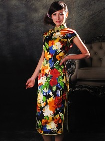 Black with Flower Pattern Mandarin Collar Silk Satin Knee Length Single-Line Botton Cheongsam