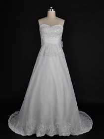 A-Line Strapless Sweetheart Appliques Court Train Organza Wedding Dress With Ribbon