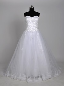 White A-Line Sweetheart Appliques Beading Sweep Train Netting Wedding Bridal Dress