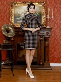 Elegant Mandarin Plaid Three Quarter Sleeve Knee-length Cotton Cheongsam